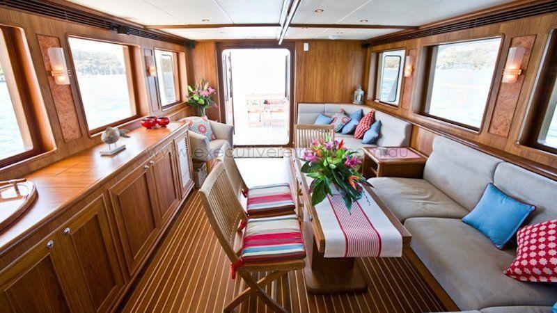 Luxury 70ft Motor Yacht 002
