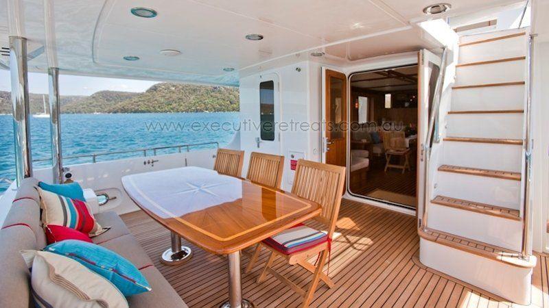 Luxury 70ft Motor Yacht 004