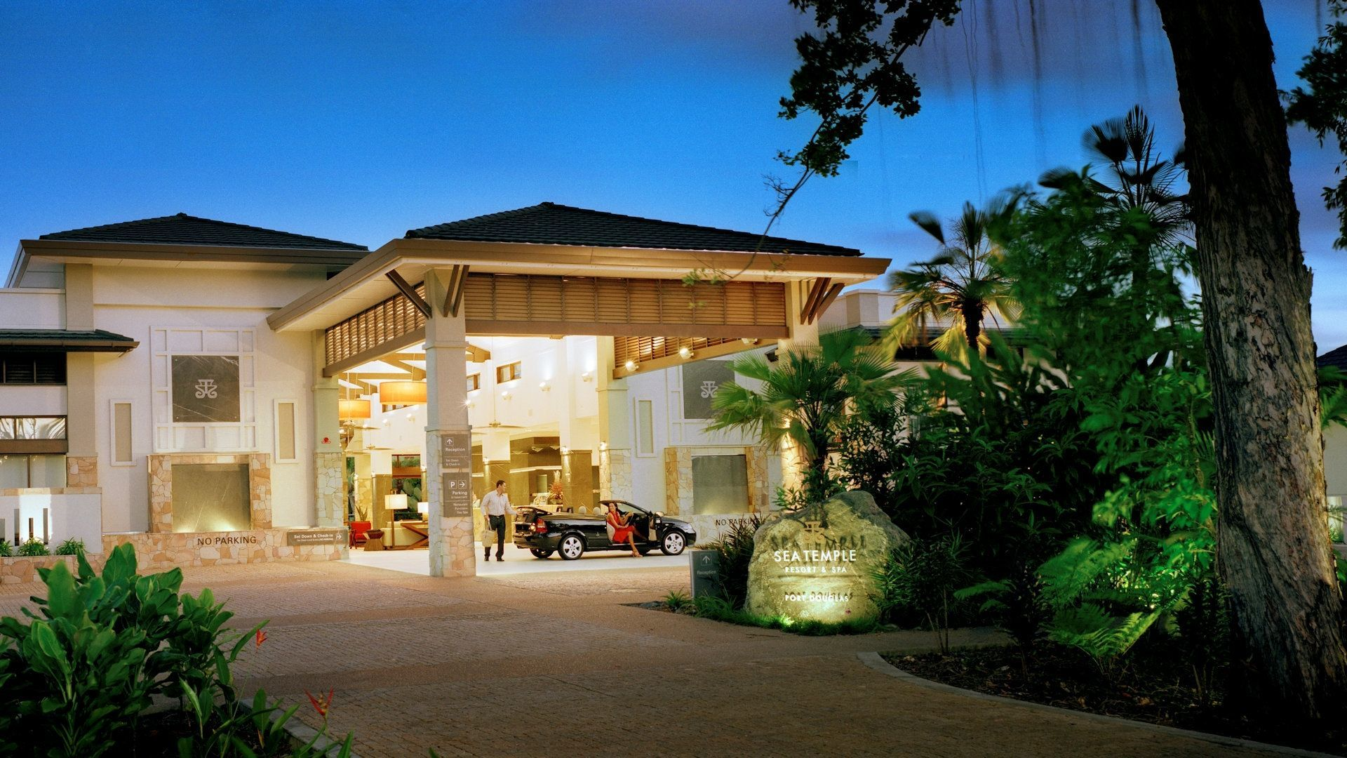 Sea Temple Resort Swimout Apartments 021