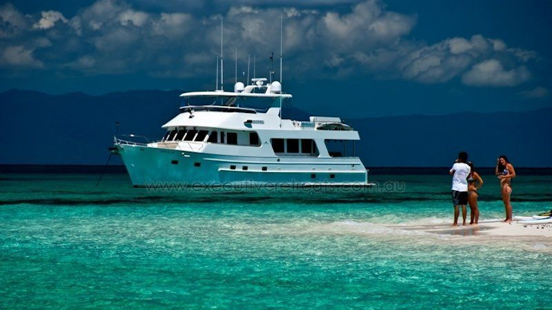 Luxury 70ft Motor Yacht 009